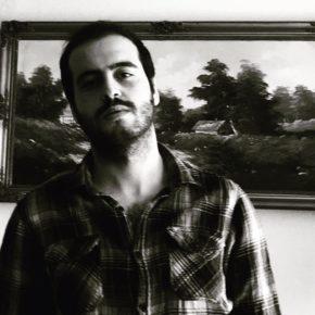 """""""evime dönüyorum sis lambası siste kendiliğinden açılacak""""   Mehmet Karaca'dan bir şiir."""