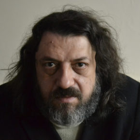 """""""Ancak boşluğu bilenler / Gerçekten severler birbirlerini.""""   Osman Çakmakçı'dan bir şiir."""